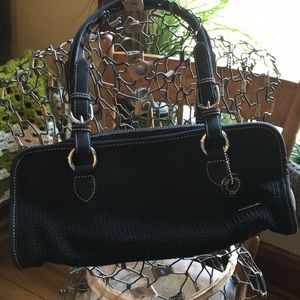 The Sak black shoulder bag purse excellent cond.